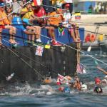 【オープンウォータースイミング給水・リオオリンピック】釣りのような給水の仕方が凄いと話題!!リオ五輪